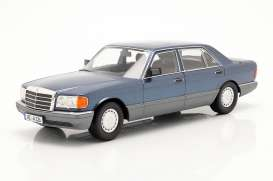 Mercedes Benz  - SEL 1985 blue - 1:18 - iScale - 1180000060 - iscale1180060 | The Diecast Company