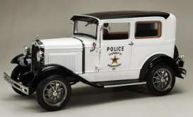 Ford  - Model A Tudor *Police* 1931 whit/black - 1:18 - SunStar - 6108 - sun6108 | The Diecast Company
