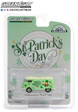 Volkswagen  - Type 2 Panel 2021 green - 1:64 - GreenLight - 30252 - gl30252 | The Diecast Company
