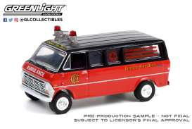 Ford  - Club Wagon 1969  - 1:64 - GreenLight - 30242 - gl30242 | The Diecast Company