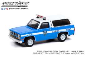 Chevrolet  - K-5 Blazer 1985 white/blue - 1:64 - GreenLight - 30245 - gl30245 | The Diecast Company