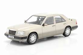 Mercedes Benz  - E-Class smoke silver - 1:18 - iScale - 1180000055 - iscale1180055 | The Diecast Company