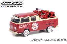 Volkswagen  - Type 2 1968 red/white - 1:64 - GreenLight - 36030A - gl36030A | The Diecast Company