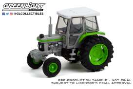 Tractor  - 1992 grey/green - 1:64 - GreenLight - 48050F - gl48050F | The Diecast Company