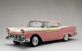 Ford  - Fairlane Skyliner 1957 pink/white - 1:18 - SunStar - 1344 - sun1344 | The Diecast Company