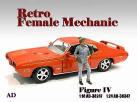 Figures  - Retro Female Mechanic IV 2020  - 1:24 - American Diorama - 38347 - AD38347 | The Diecast Company