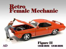 Figures  - Retro Female Mechanic II 2020  - 1:24 - American Diorama - 38345 - AD38345 | The Diecast Company
