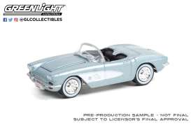 Chevrolet  - Corvette 1961 silver/black - 1:64 - GreenLight - 37230A - gl37230A | The Diecast Company