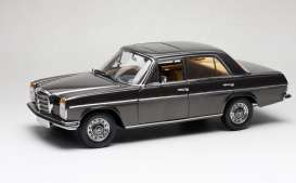 Mercedes Benz  - Strich 8 Saloon 1973 bronze - 1:18 - SunStar - 5623 - sun5623 | The Diecast Company