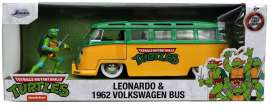 Volkswagen  - Bus T1 *TMNT* 1962 green/yellow - 1:24 - Jada Toys - 31786 - jada31786 | The Diecast Company