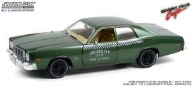 Plymouth  - Fury 1976 green - 1:18 - GreenLight - 19110 - gl19110 | The Diecast Company