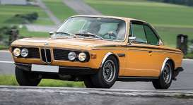 BMW  - 3.0 CSL 1971 orange  - 1:18 - Minichamps - 155028131 - mc155028131 | The Diecast Company
