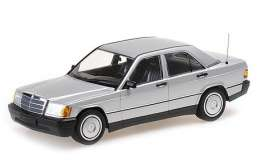 Mercedes Benz  - 190E (W201) 1982 silver - 1:18 - Minichamps - 155037004 - mc155037004 | The Diecast Company