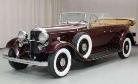 Ford  - Lincoln KB top down 1932 maroon - 1:18 - SunStar - 6167 - sun6167 | The Diecast Company