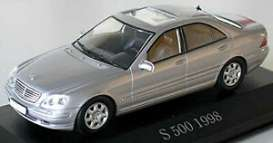 Mercedes Benz  - S-Class W220 1998 silver metallic - 1:43 - Maxichamps - 940036201 - mc940036201 | The Diecast Company