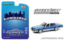 Chevrolet  - Caprice *Lowrider* 1986 candy blue/white - 1:64 - GreenLight - 51389 - gl51389 | The Diecast Company