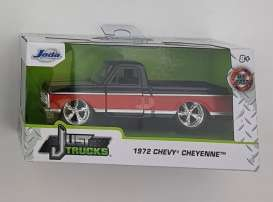 Chevrolet  - Cheyenne 1972 black/red - 1:32 - Jada Toys - 24076 - jada24076BKR | The Diecast Company