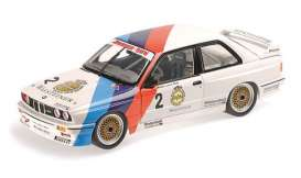 BMW  - M3 1987 white/blue/red - 1:18 - Minichamps - 155872002 - mc155872002 | The Diecast Company