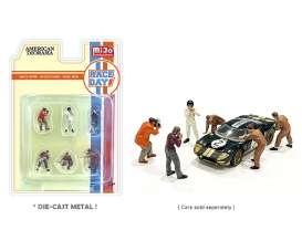 Figures  - Race Day 2021  - 1:64 - American Diorama - 76475 - AD76475 | The Diecast Company