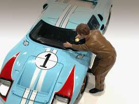 Figures  - Race Day Figure V 2021  - 1:24 - American Diorama - 76387 - AD76387 | The Diecast Company
