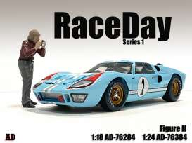 Figures  - Race Day Figure II 2021  - 1:24 - American Diorama - 76384 - AD76384 | The Diecast Company