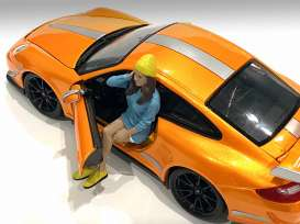 Figures  - Car Meet Figure III 2021  - 1:18 - American Diorama - 76279 - AD76279 | The Diecast Company